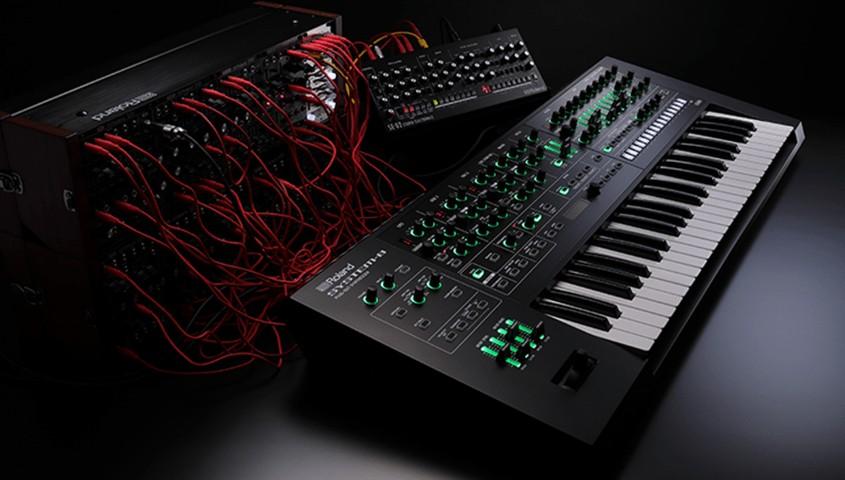 roland synthesizer