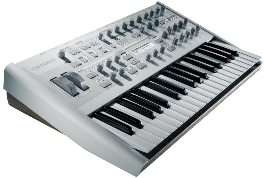 techno synthesizer and keyboard controller