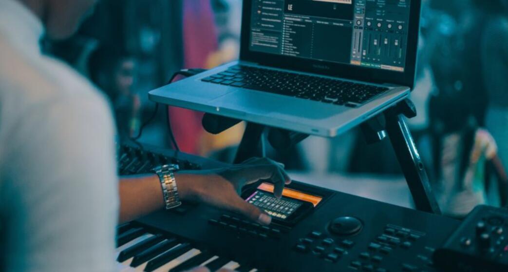 how to use a midi keyboard