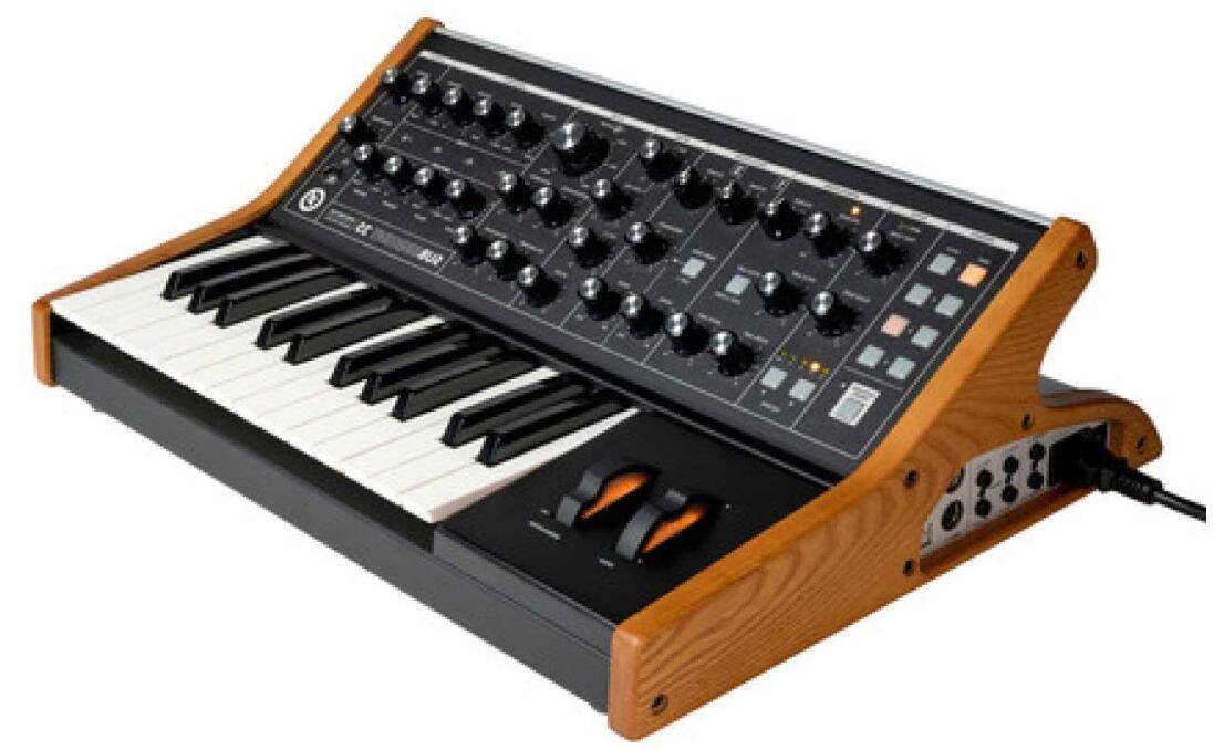 moog 25 key analog synth