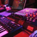 How Does a Midi Keyboard Work?
