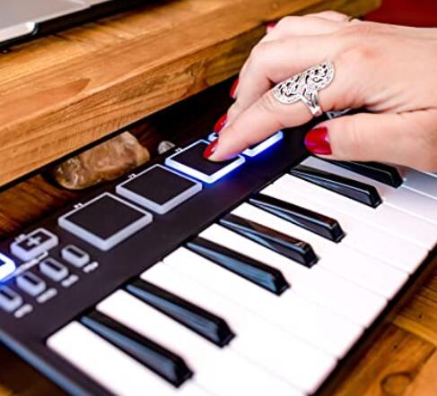 how to choose the best midi keyboard under 100